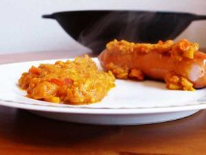 Currywurst und Currysauce