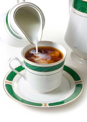 Tee mit Milch (©grekoff/depositphotos.com)